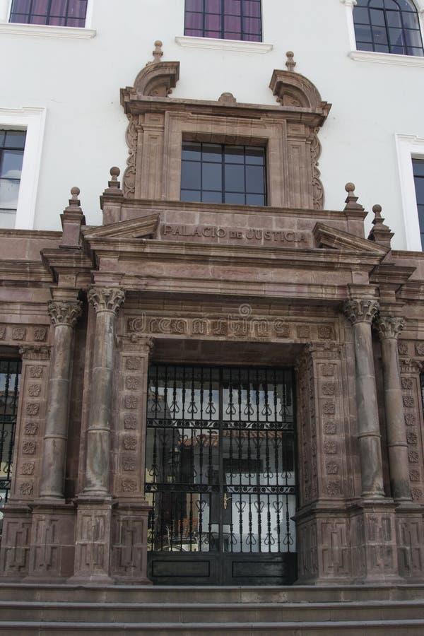Fachada velha da igreja Católica no Peru de Cuzco imagem de stock royalty free