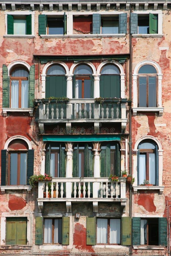 fachada vieja de Venecia imagenes de archivo