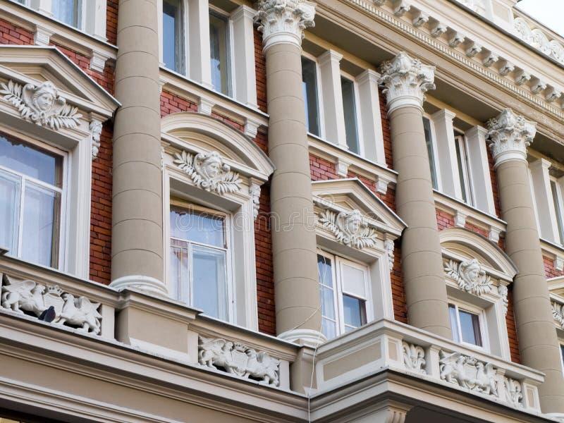 Fachada vieja del edificio imagen de archivo