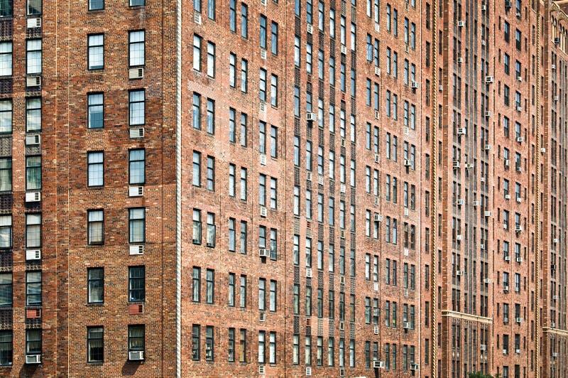 Fachada vieja del edificio de ladrillos fotografía de archivo libre de regalías