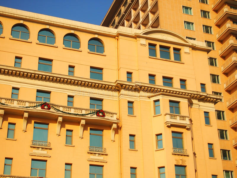 Fachada Y Azotea Del Hotel Fotografía de archivo