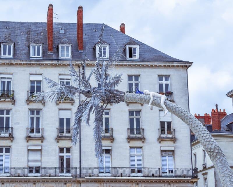 Fachada y tejado de edificios en Nantes imagen de archivo libre de regalías