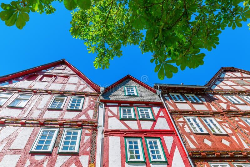 Fachadas de edificios viejos en Herborn, Alemania fotos de archivo