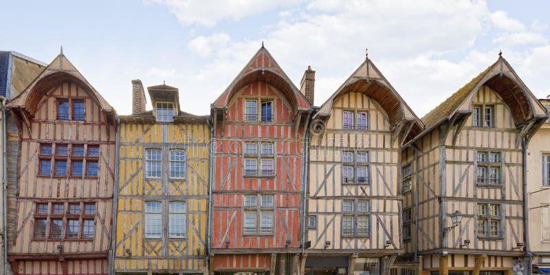 Fachadas medievales en Troyes, Francia imágenes de archivo libres de regalías