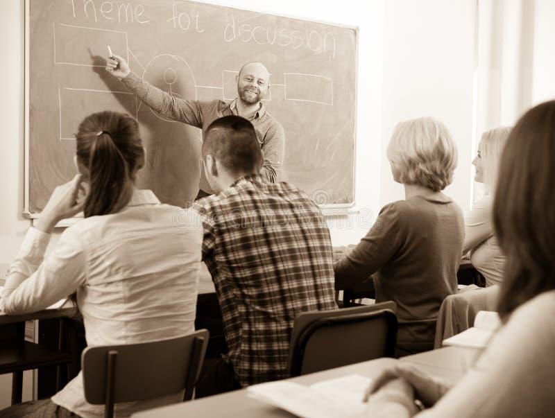 Fachleute und Trainer am Training lizenzfreie stockfotografie