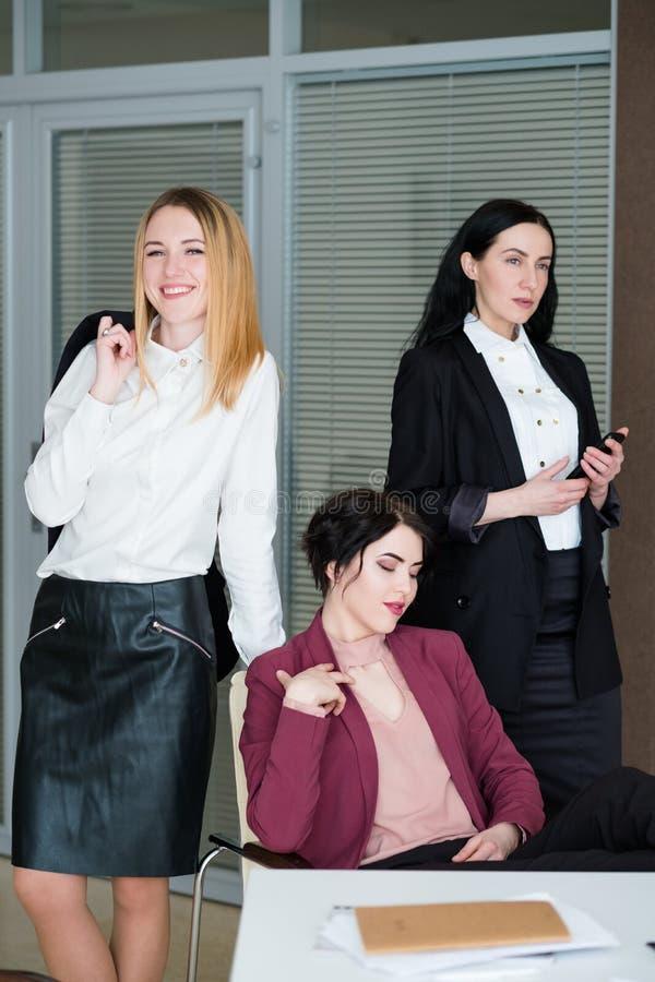 Fachowa pomyślna biznesowa damy drużyny kariera zdjęcie stock