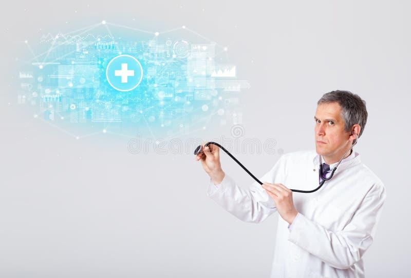 Fachowy badacz z stetoskopem obraz stock