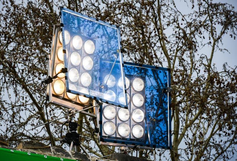 Fachowy filmu światła system z błękita filtrem na plenerowym secie zdjęcie royalty free