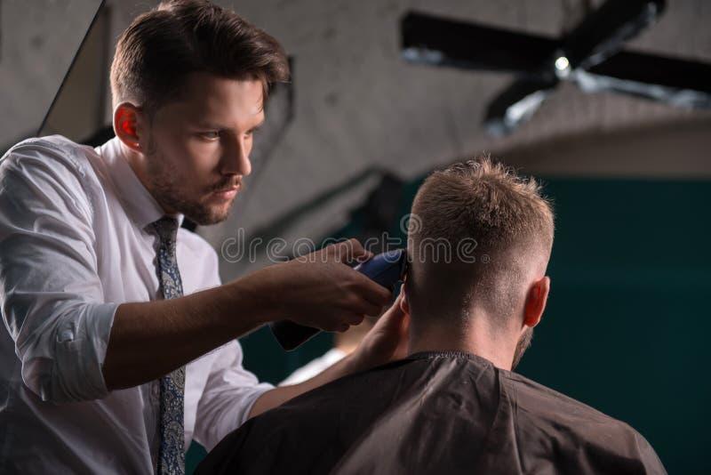Fachowy fryzjerstwo salon zdjęcia royalty free