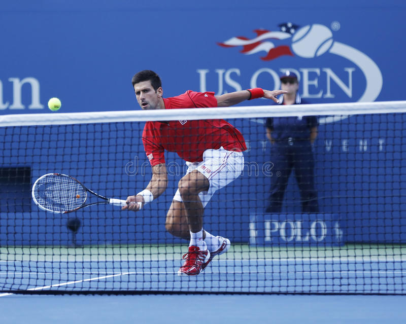 Fachowy gracz w tenisa Novak Djokovic podczas round dopasowania przy us open 2013 przeciw Marcel Granollers fourth obraz stock