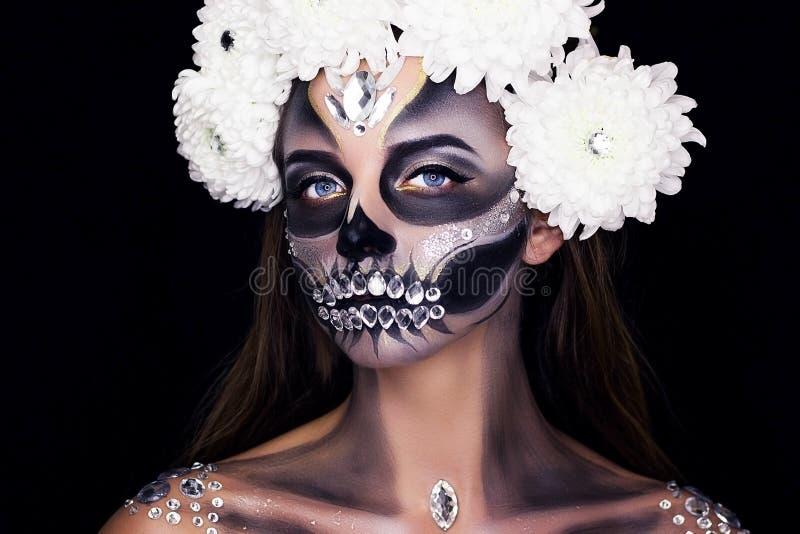 Fachowy makijaż z kwiatami Uzupełniał dla Halloween obraz royalty free