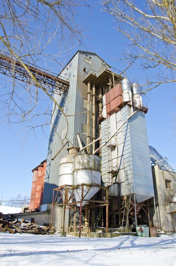 Facilidade de processamento industrial da grão no tempo de inverno fotografia de stock royalty free