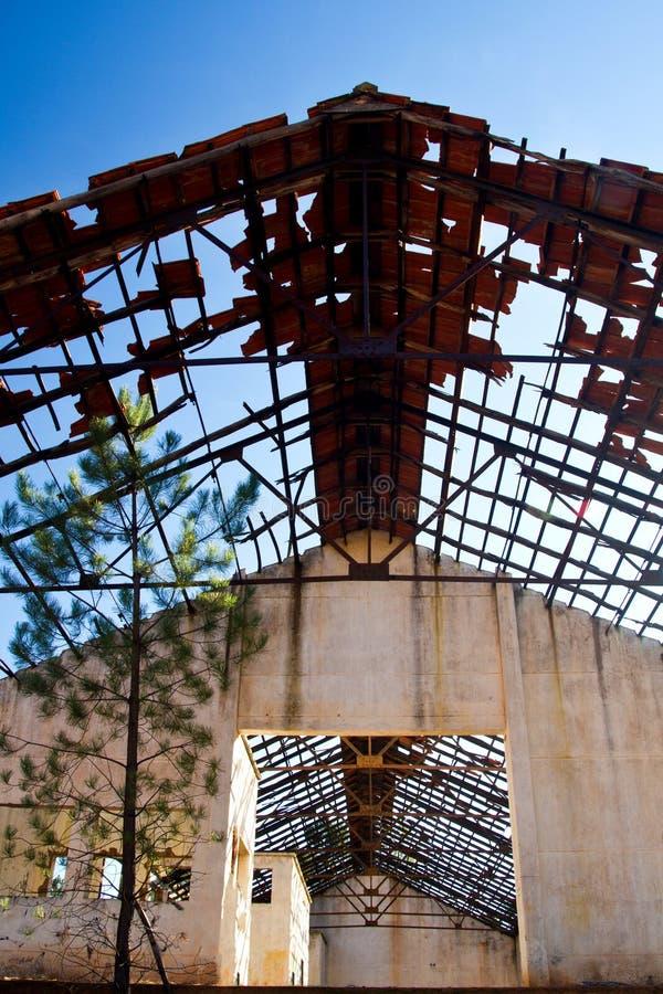 Facilidade industrial abandonada da mineração fotografia de stock