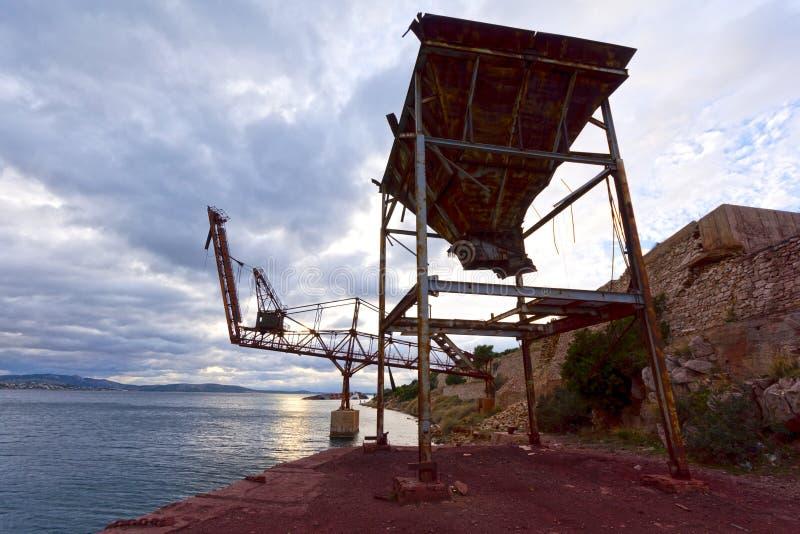 Facilidades de porto do cimento fotografia de stock royalty free