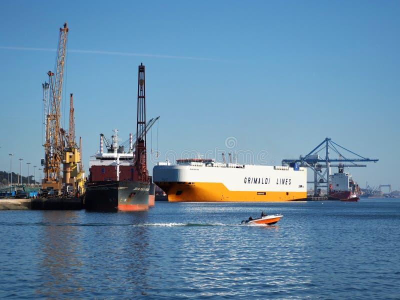 Facilidades portuárias em Setubal, Portugal fotos de stock royalty free