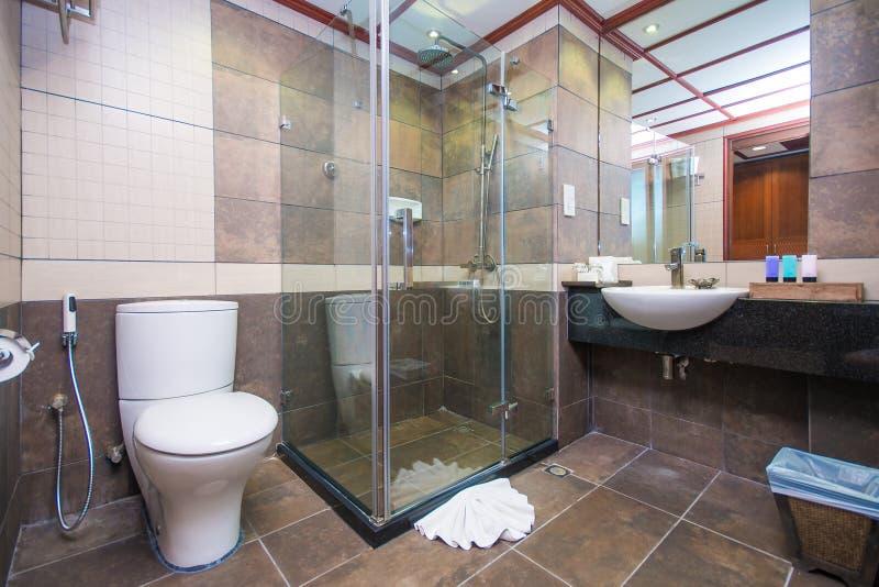 Faciliteiten in badkamers royalty-vrije stock afbeeldingen
