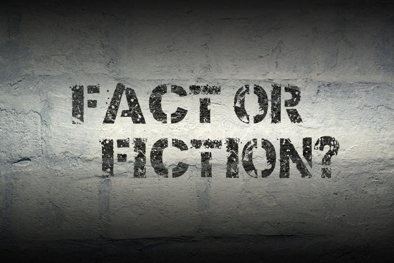 Fact gr lub fikcja ilustracji