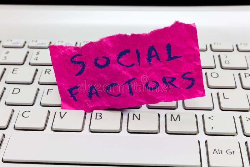Facteurs de Social des textes d'écriture de Word Concept d'affaires pour des choses qui influence des différences de culture de m images stock