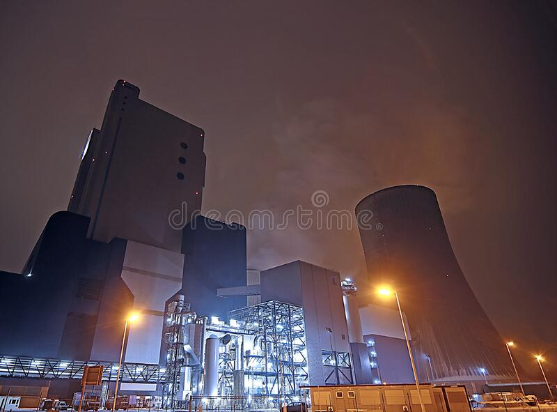 Factory At Nightime Free Public Domain Cc0 Image