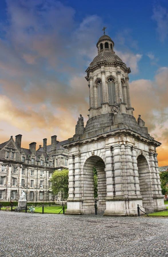 Faculdade da trindade - Dublin - Ireland ilustração royalty free