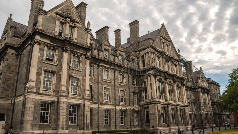 Faculdade da trindade em Dublin ireland foto de stock royalty free