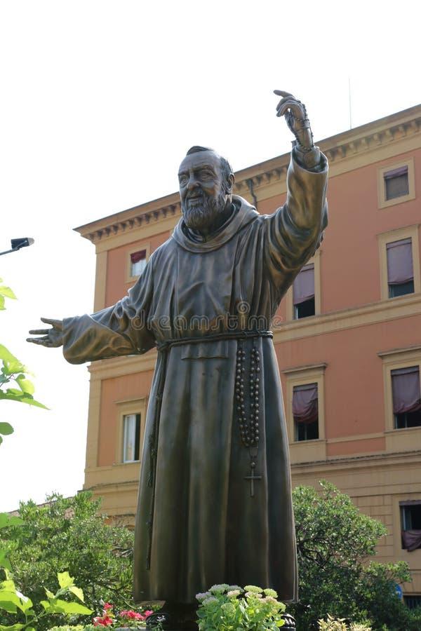 Fader Pio fotografering för bildbyråer