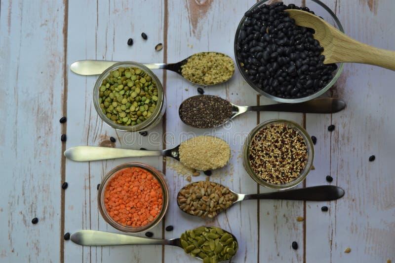 , Fagioli e cereali secchi fotografie stock libere da diritti