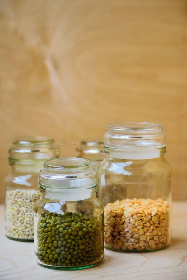 Fagioli verdi in barattolo di vetro fotografia stock libera da diritti