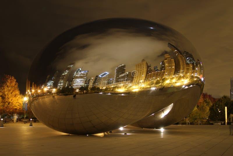 Fagiolo del Chicago alla notte fotografie stock