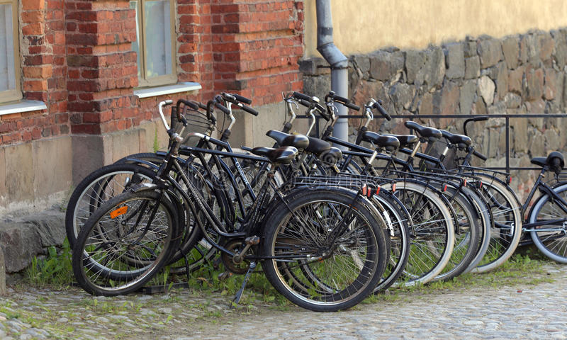 Fahren Sie Parken auf dem der Suomenlinna-Inseln in Helsinki, Finnland rad lizenzfreies stockbild