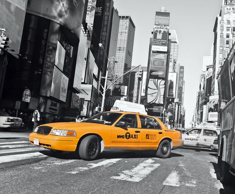 Fahrerhäuser auf dem Times Square stockbilder