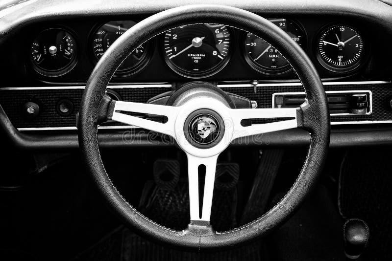 Fahrerhaus Porsche 911 Targa (Schwarzweiss) lizenzfreie stockfotos