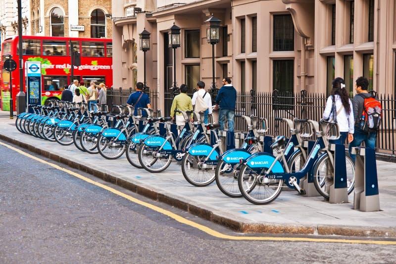 Fahrräder für Miete in London, Großbritannien stockfotografie