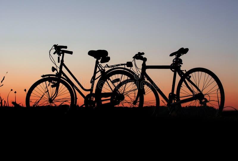 Fahrr?der Bei Sonnenuntergang Kostenlose Öffentliche Domain Cc0 Bild