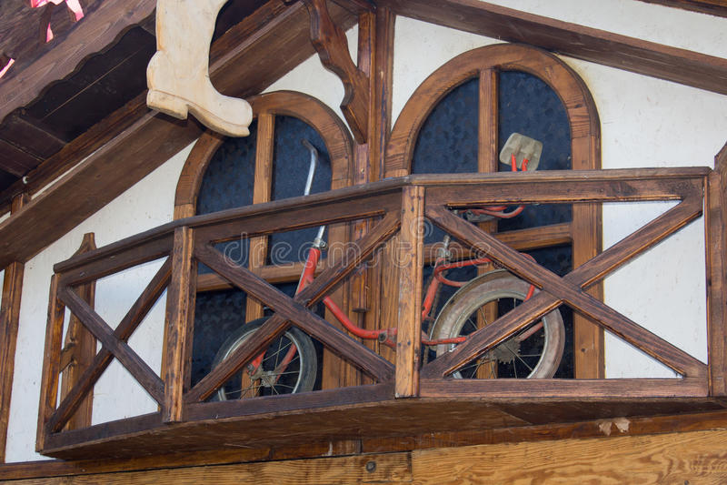 Fahrrad auf dem Balkon stockfoto