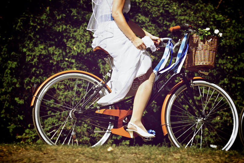 Fahrrad-Braut lizenzfreie stockfotos
