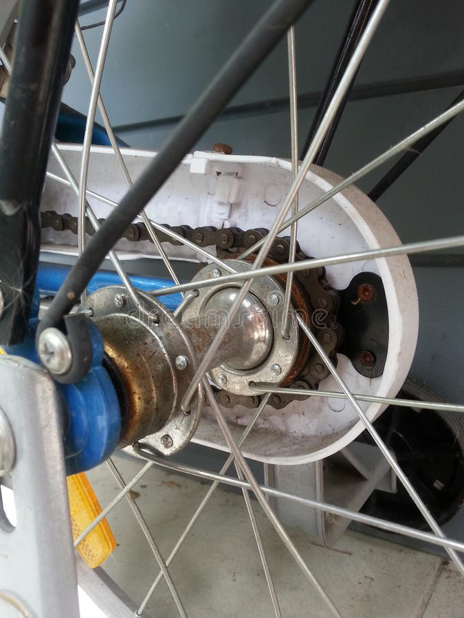 Fahrradkette der rostige Kinder stockbild