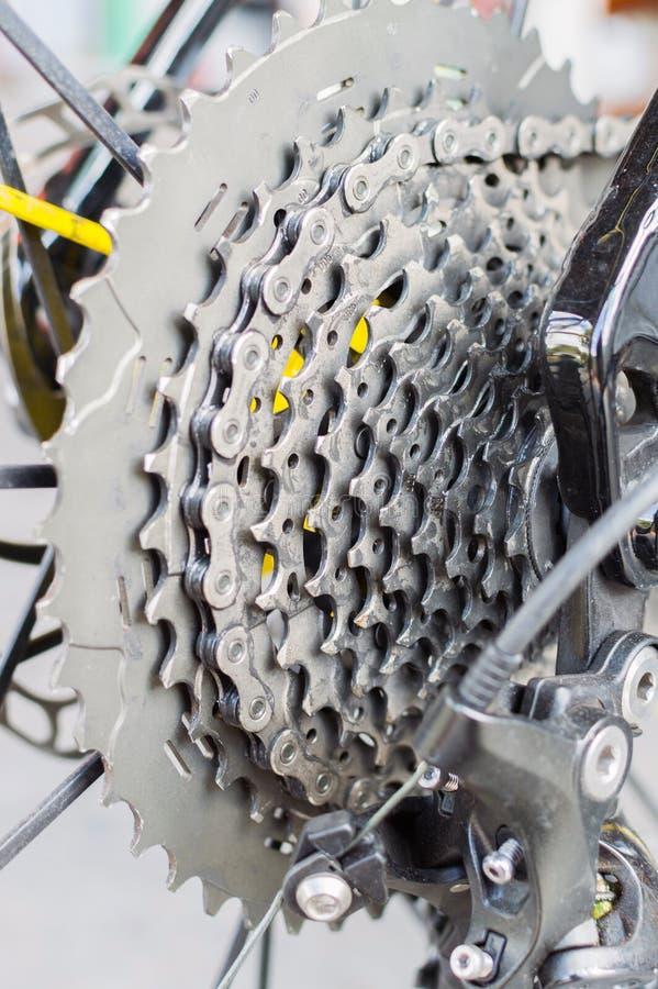 Fahrradkette und hintere Kassette lizenzfreie stockbilder