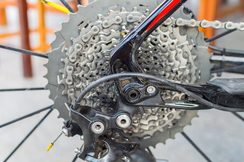 Fahrradkette und hintere Kassette lizenzfreie stockfotografie