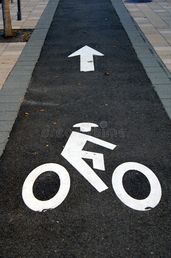 Fahrradpfad lizenzfreie stockfotografie