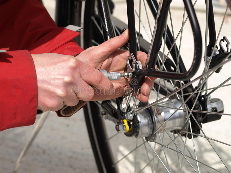Fahrradpflege lizenzfreies stockfoto