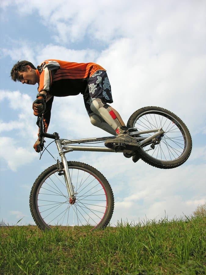 Fahrradtrick lizenzfreie stockfotografie