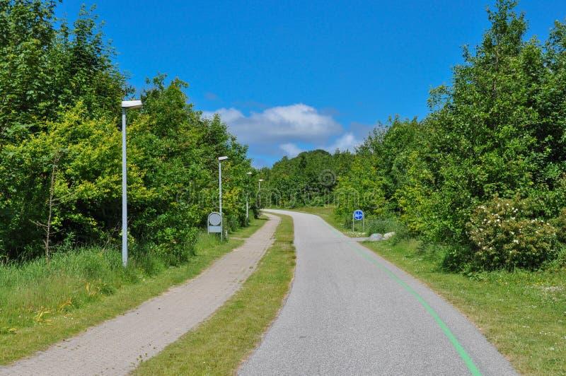 Fahrradweg in Aalborg Dänemark lizenzfreies stockbild