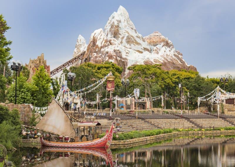 Fahrt Disney-Welt-Orlando Florida Animal Kingdoms der Mount Everest stockbild