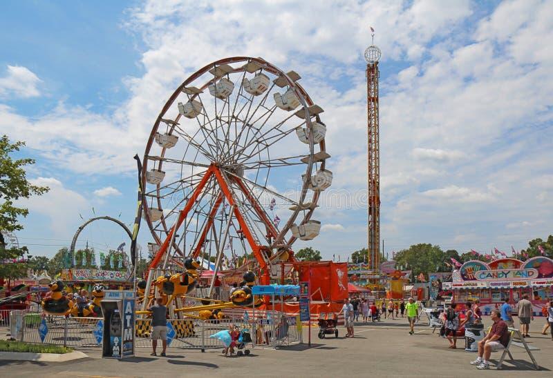 Fahrten auf die Mitte bei Indiana State Fair stockbild