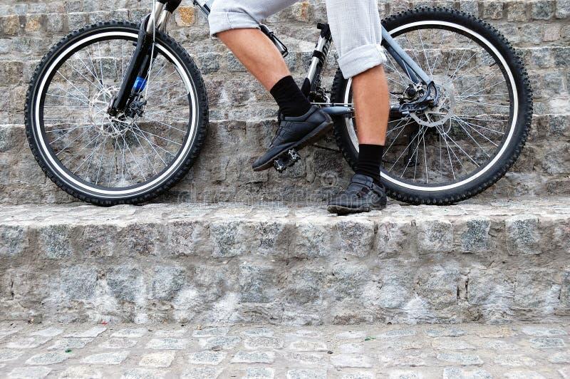 Fahrwerkbeine und Räder lizenzfreies stockfoto