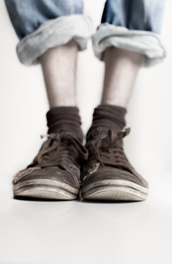 Fahrwerkbeine und Schuhe stockfotografie