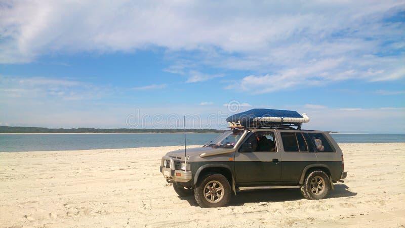 Fahrzeug nicht für den Straßenverkehr am Strand lizenzfreie stockfotos
