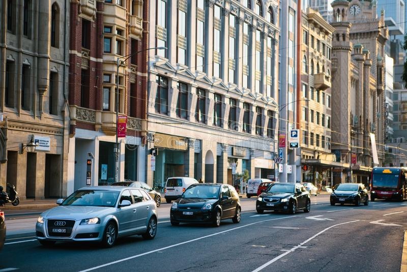 Fahrzeuge in der Stadt lizenzfreies stockbild