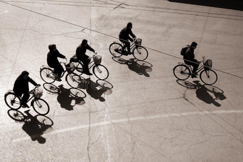 Faire du vélo dans bejing image libre de droits
